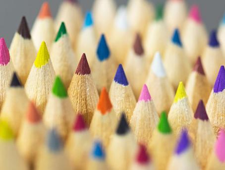Farbige, weiße, schwarze und lichtdichte sowie gelbe HOSTAPHAN® Polyesterfolien